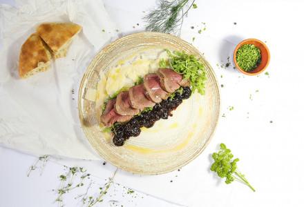 Beef tagliata with parmesan