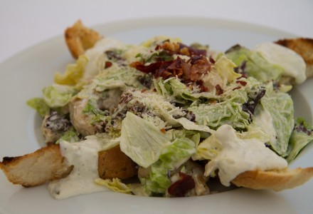 Cezar salata sa piletinom