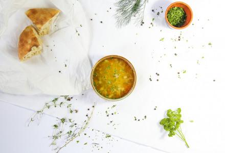 Bistra pileća supa sa rezancima